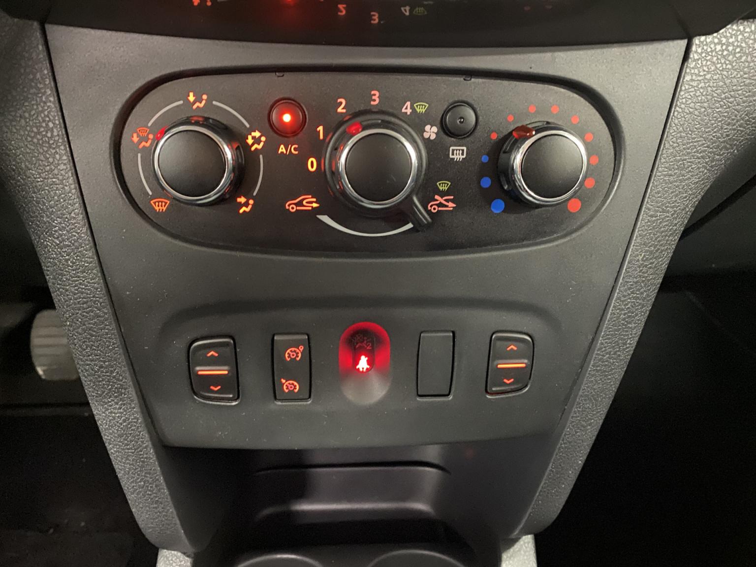 Dacia-Logan-20