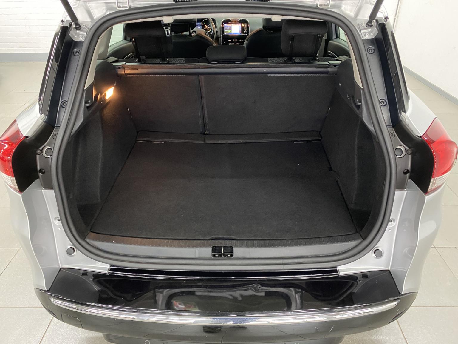 Renault-Clio-35